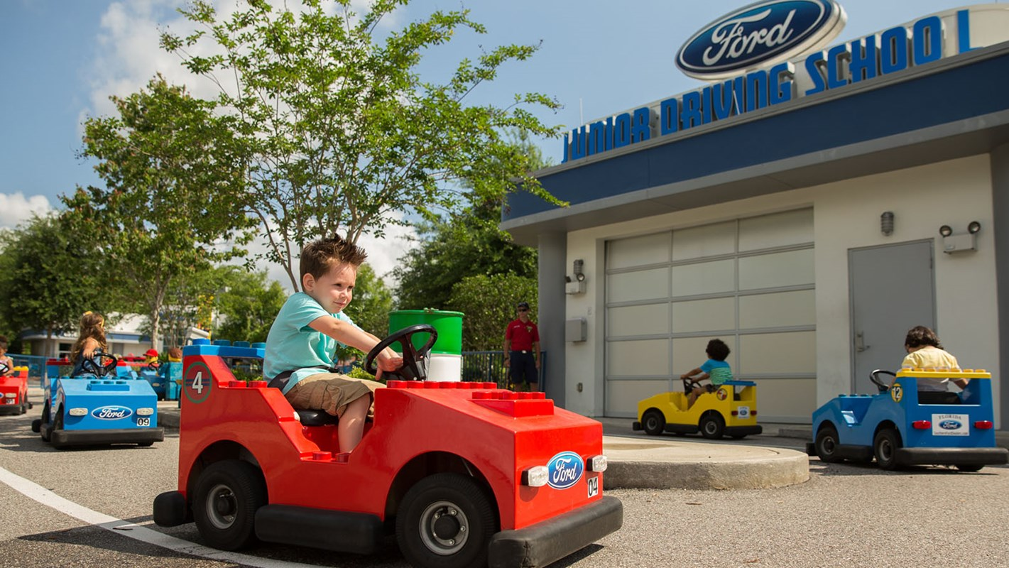 ford-jr-driving-school_1800x900
